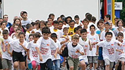 Peste 2000 de copii au sarbatorit impreuna a zecea editie a Arenelor de Joaca