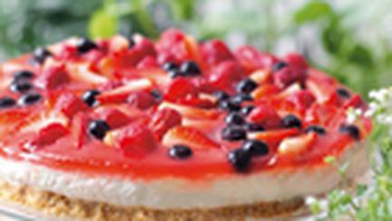Cheesecake cu fructe de padure si apa de roze
