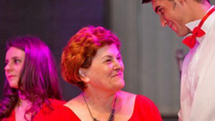 """AVON a sarbatorit cele """"125 de femei pentru schimbare"""""""