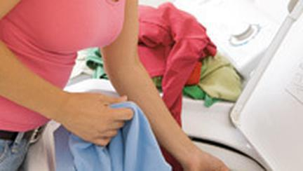 Cum sa-ti pastrezi hainele intr-o stare buna