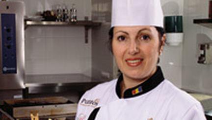 Emilia Ghisoi , Lady Chef de Romania