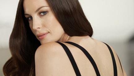 Actrita Liv Tyler este noua ambasadoare Pantene