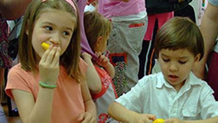 Joaca-te cu legume si fructe alaturi de Irinuca, la BABY EXPO