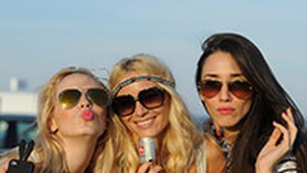 Bloguri, cafea illy issimo si vedete: Laura Cosoi, Alina Tanasa, Diana Enciu