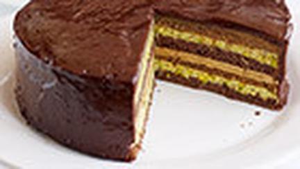 Tort de ciocolata, cafea si fistic