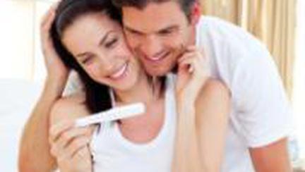 Cum îl anunţi că eşti însărcinată? 8 idei haioase