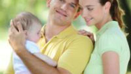 Mai există viaţă de cuplu după ce devenim părinţi?