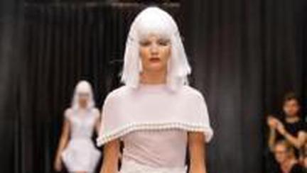 Modă: Colecţii futuriste la Gala Avanpremiere!