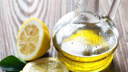 Vinegretă de lămâie şi ulei de măsline