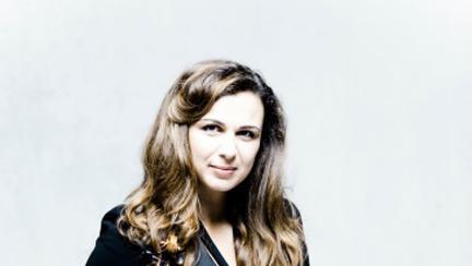 """Sarah Nemțanu, adevărata violonistă din filmul """"Concertul"""", în concert la Sala Radio"""