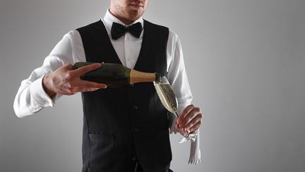 adancitura din fundul sticlei de vin