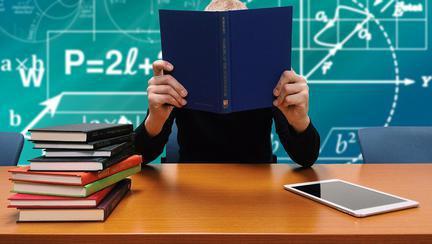 Elevii pot beneficia de meditații gratuite pentru admiterea la facultate