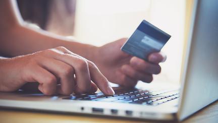 Cum să identifici produsele falsificate pe Internet