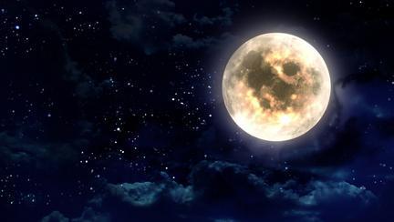 Luna Plină va afecta multe zodii! Peștii trec prin crize de gelozie, iar Berbecii fac sacrificii în carieră