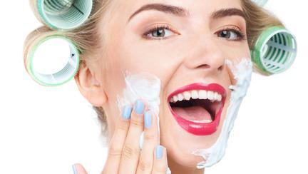 spuma de ras te ajută să scapi de acnee
