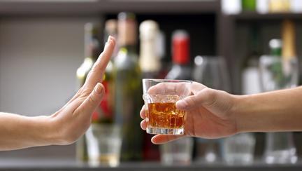 Consumul exagerat de alcool este asociat cu o mulțime de afecțiuni