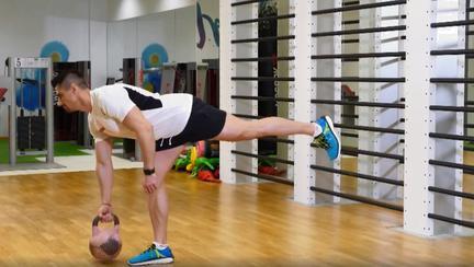 Poți să mănânci orice dacă faci sport în mod regulat? Iată răspunsurile antrenorului de fitness Iulian Panait | Lifestyle sănătos