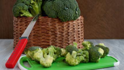 cum ar trebui să consumi broccoli pentru a te bucura de toate proprietățile acestuia