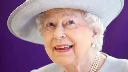 Lucrurile pe care Regina Elisabeta a II-a le ține mereu în geantă