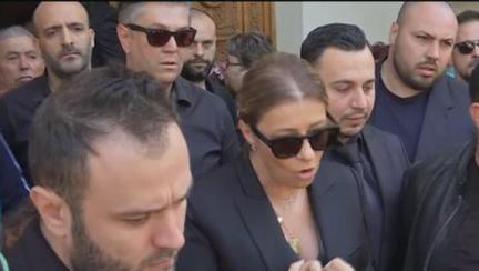 Ionela Prodan a fost înmormântată la Cimitirul Bellu, în ropote de aplauze. Imagini cutremutoare cu sutele de oameni au condus-o pe ultimul drum