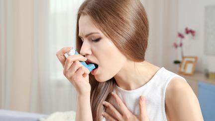 Ce este ASTMUL? Care sunt simptomele și cauzele bolii, dar și cum poate fi prevenită această afecțiune