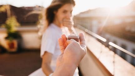 (P) E-ring îți prezintă tendințele 2018 anului în materie de inele de logodnă