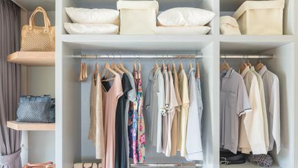 Cum să-ți întreții garderoba: 4 sfaturi pentru haine care să reziste la testul timpului