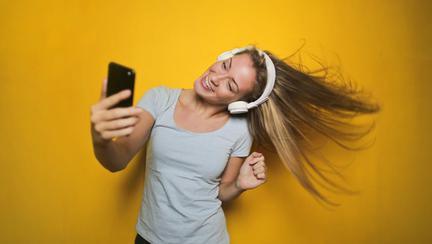(P) 3 reguli de aur pentru un selfie perfect