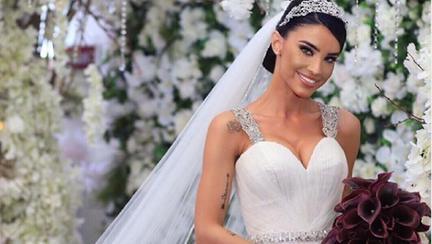Cum arăta Adelina Pestrițu când a îmbrăcat prima oară rochia de mireasă