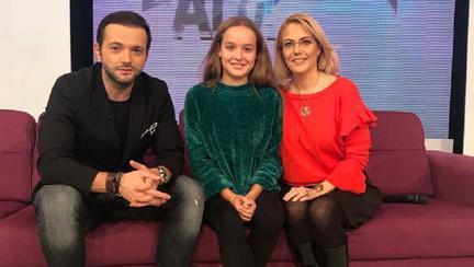 Raluca Moianu, fiica ei Mara și Mihai Morar