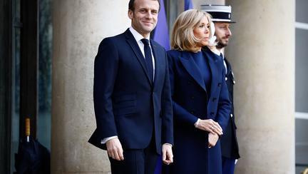 Brigitte Macron ținută albastru clasic