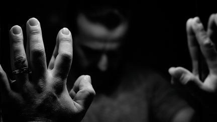 Mărturisiri din timpul Covid-19: Românii împărtășesc experiențele dureroase