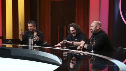 Chef Florin Dumitrescu a oferit duminică seara cuțitul de aur