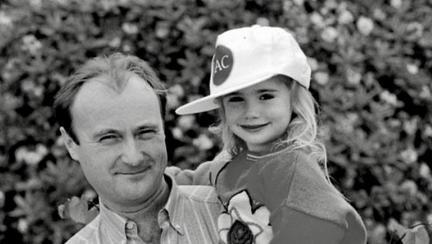 """Fata lui tata: cine credeți că e tatăl actriței Lily Collins, vedeta din """"Emily la Paris""""? O mega-vedetă rock!"""