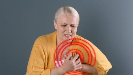 Probleme cardiace mai greu de observat la femei. Medicii ratează simptomele