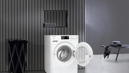 Cum cureți mașina de spălat – 4 sfaturi practice