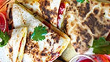 Lipii mexicane cu branza topita si ceapa