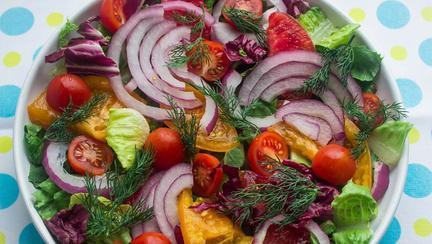 Adu prospetimea inapoi. 7 salate de primavara pentru tine!