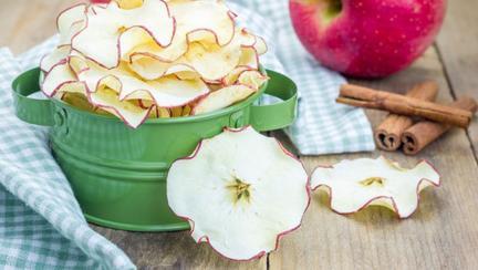 chipsuri de mere și scorțișoară