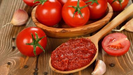 Ai grijă ce cumperi de la magazin! 78% din bulionul şi pasta de tomate trebuie retrase de la comercializare