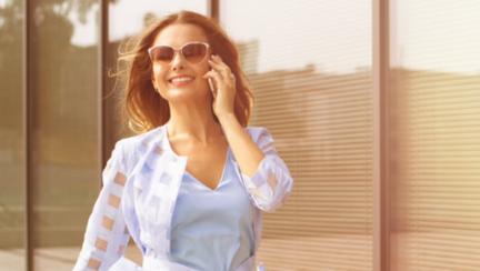 3 lucruri pe care le fac diferit femeile care au deplină încredere în ele însele