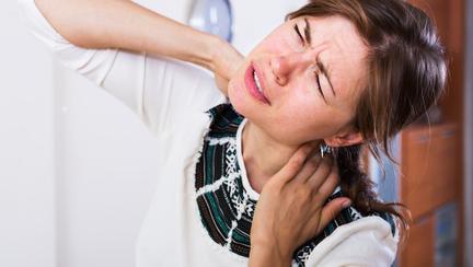 Ce să faci dacă ai gâtul înțepenit