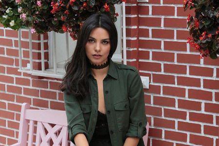 "Hazal Filiz Küçükköse (Zeynep din ""Dragoste infinită"") are un nou proiect tv (2)"