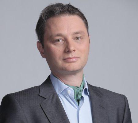 Citeşte un interviu altfel cu Luca Niculescu