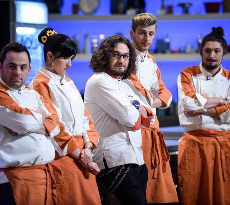"""Sunt ultimele confruntări de la """"Chefi la cuțite"""" Chef Dumitrescu dă afară doi concurenți (1)"""