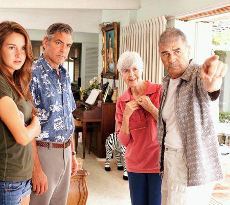 """George Clooney face un rol demn de Oscar în """"Descendenţii"""""""