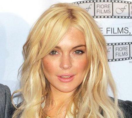 Lindsay Lohan ar putea s-o joace pe Liz Taylor