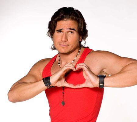 Daniel Arenas îşi caută iubită