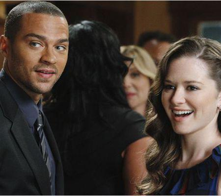 Jesse Williams si Sarah Drew