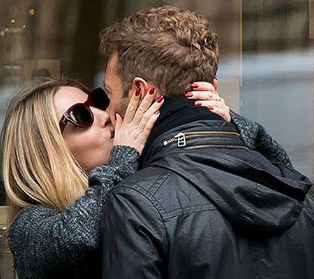 Annabelle Wallis Chris Martin